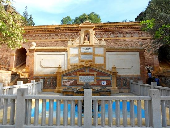 fuente santa, santuario virgen de la fuensanta en murcia